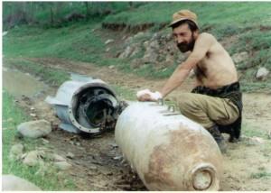 Азербайджанская авиация в ходе войны в Карабахе применяла бомбы, вплоть до калибра 500 кг.