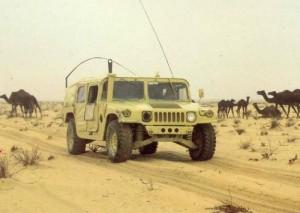 Хамер військ США в пустелі Іраку.