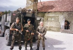 Косово. 2001 рік. (Дмитро крайній зліва)