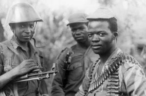 Бойцы вооруженных сил Фронта освобождения Мозамбика (ФРЕЛИМО)