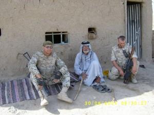 Дмитро (зліва) у Республіці Ірак
