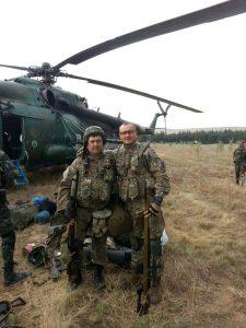 Прибытие группы добровольцев. Слева – Иван Журавлев («Охотник»).