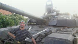 В начале 2015-го года в составе 2-го ОТБр были две уникальные машины Т-72УАГ, которые фактически проходили фронтовые испытания